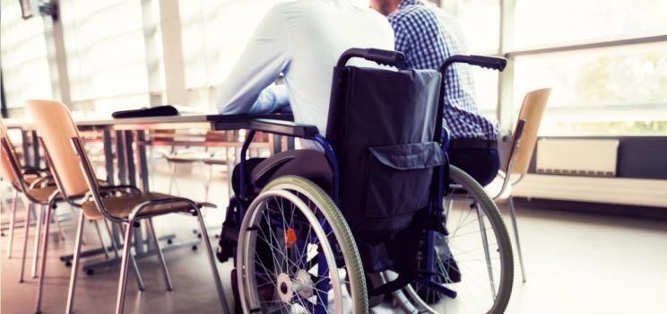 Инвалидам станет проще получить соцподдержку